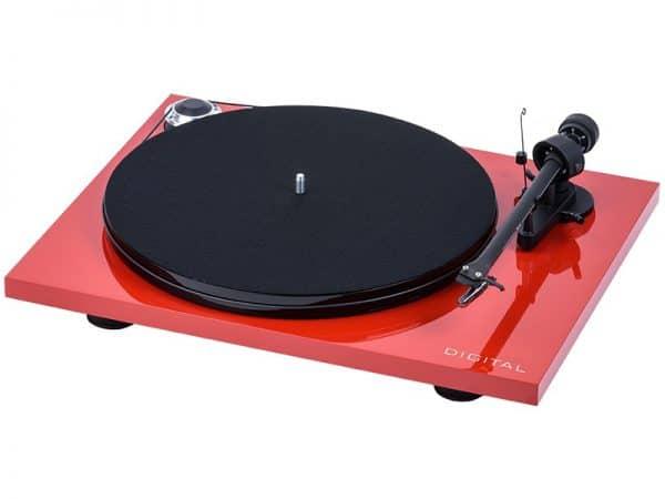Pro-Ject Essential III Digital è un giradischi rosso