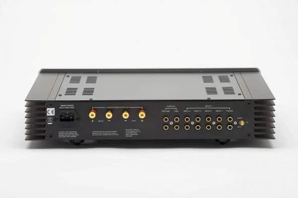 Sugden A21 Signature è un amplificatore in classe A retro