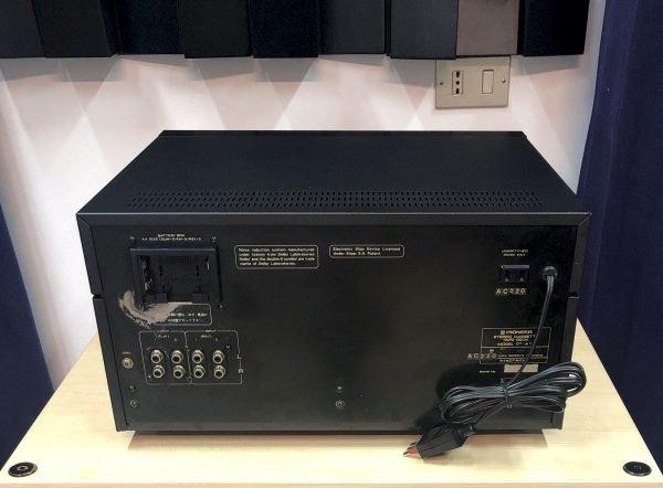 Pioneer CT-A1 è una piastra a cassette usata vista posteriore